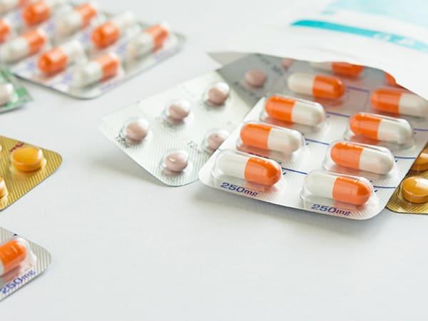 画像:薬物療法